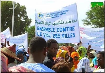Nouakchott++manifestations+de+col%C3%A8re+apr%C3%A8s+le+viol+et+meurtre+de+la+petite+Kadji+Tour%C3%A9+(8).JPG