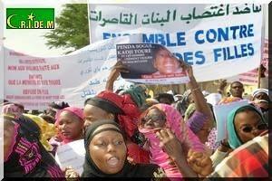 Nouakchott++manifestations+de+col%C3%A8re+apr%C3%A8s+le+viol+et+meurtre+de+la+petite+Kadji+Tour%C3%A9+(9).jpg